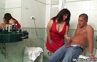 un joven del tamaño de un omegle venezolana burro disfruta de esta puta madura